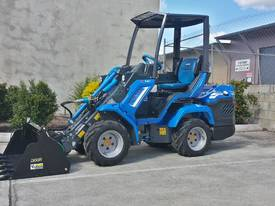 MULTIONE 7.3S TWO SPEED MINI LOADER - picture0' - Click to enlarge