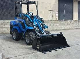 MULTIONE 7.3S TWO SPEED MINI LOADER - picture2' - Click to enlarge