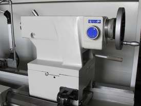 660mm Swing Centre Lathe, 104mm Spindle Bore - picture8' - Click to enlarge