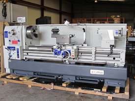 Centre Lathe, 660x2000mm Turning Capacity , 104mm Bore - picture2' - Click to enlarge