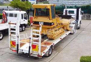 P82M Truck with Low Loader combo with CAT D4G XL
