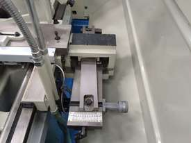 New Romac CY1640 Lathe - picture4' - Click to enlarge