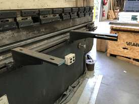 Just In - MAXI 4000mm x 125T Hydraulic Pressbrake - picture3' - Click to enlarge