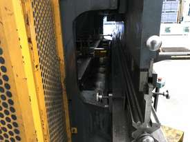 Just In - MAXI 4000mm x 125T Hydraulic Pressbrake - picture5' - Click to enlarge