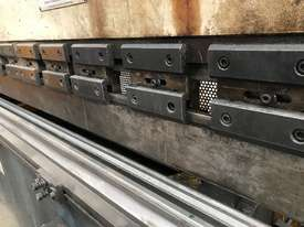 Just In - MAXI 4000mm x 125T Hydraulic Pressbrake - picture9' - Click to enlarge