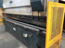 Just In - MAXI 4000mm x 125T Hydraulic Pressbrake - picture10' - Click to enlarge