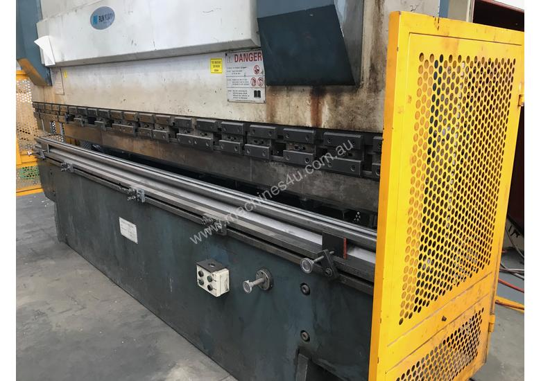Just In - MAXI 4000mm x 125T Hydraulic Pressbrake