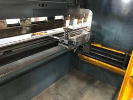 Just In - MAXI 4000mm x 125T Hydraulic Pressbrake - picture11' - Click to enlarge