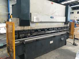 Just In - MAXI 4000mm x 125T Hydraulic Pressbrake - picture2' - Click to enlarge