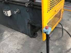 Just In - MAXI 4000mm x 125T Hydraulic Pressbrake - picture14' - Click to enlarge