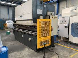 Just In - MAXI 4000mm x 125T Hydraulic Pressbrake - picture0' - Click to enlarge