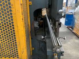 Just In - MAXI 4000mm x 125T Hydraulic Pressbrake - picture17' - Click to enlarge