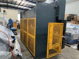 Just In - MAXI 4000mm x 125T Hydraulic Pressbrake - picture18' - Click to enlarge