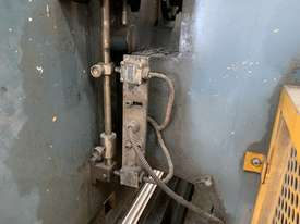 Just In - MAXI 4000mm x 125T Hydraulic Pressbrake - picture19' - Click to enlarge