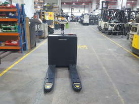 Crown Electric Pallet Mover - picture2' - Click to enlarge
