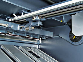 SB-T Series Hydraulic Swing Beam Guillotine - picture5' - Click to enlarge