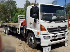 Hino Flat Bed Truck with 3ton Crane, 200k km�s. EMUS NQ - picture1' - Click to enlarge