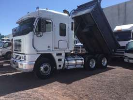 Freightliner  Tipper Truck - picture2' - Click to enlarge