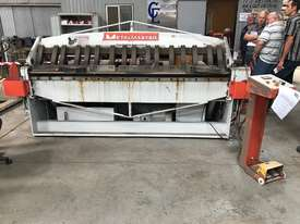 JUST IN - METALMASTER 2500mm x 2mm Hydraulic Panbrake - picture0' - Click to enlarge