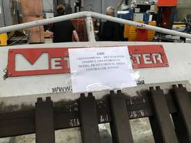 JUST IN - METALMASTER 2500mm x 2mm Hydraulic Panbrake - picture12' - Click to enlarge