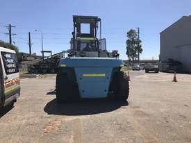 32 Ton forklift available - picture2' - Click to enlarge