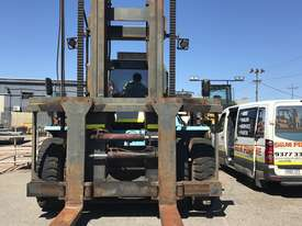 32 Ton forklift available - picture3' - Click to enlarge