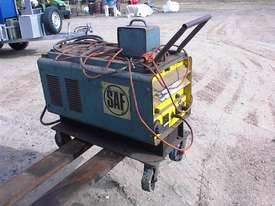 SAF power source welder - picture0' - Click to enlarge