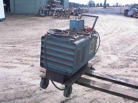 SAF power source welder - picture2' - Click to enlarge