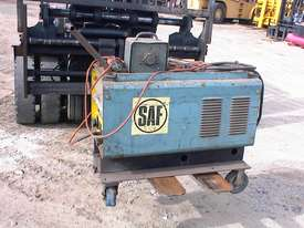 SAF power source welder - picture3' - Click to enlarge