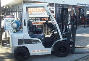 Nissan Forklift P1F2A 2.5 Ton 4.3m Lift 2012 Model Container Entry