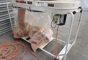 LEDA TWIN BAG DUST EXTRACTOR SFV-005, In-Line Design, 5hp 415v, Mobile, $ 850. CARBATEC 2 Bag $ 500