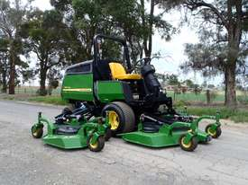 John Deere 1600 Wide Area mower Lawn Equipment - picture0' - Click to enlarge