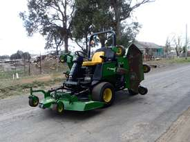 John Deere 1600 Wide Area mower Lawn Equipment - picture1' - Click to enlarge