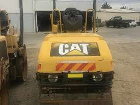 2004 Caterpillar CB214E Compaction Roller - picture2' - Click to enlarge