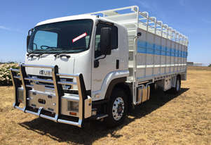 Isuzu FVR 165-300 Stock/Cattle crate Truck