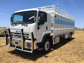 Isuzu FVR 165-300 Stock/Cattle crate Truck - picture0' - Click to enlarge