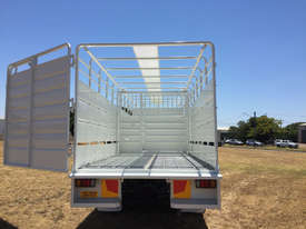 Isuzu FVR 165-300 Stock/Cattle crate Truck - picture5' - Click to enlarge