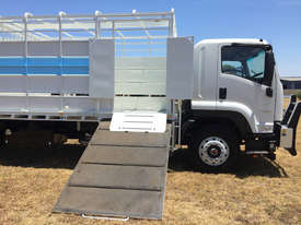 Isuzu FVR 165-300 Stock/Cattle crate Truck - picture8' - Click to enlarge