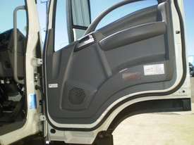 Isuzu FVR 165-300 Stock/Cattle crate Truck - picture10' - Click to enlarge