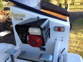SCREEN CAT TRAILER - picture3' - Click to enlarge