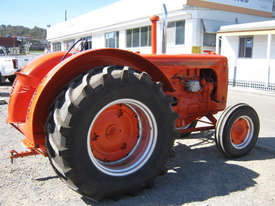 Case IH LA 2WD Tractor - picture4' - Click to enlarge