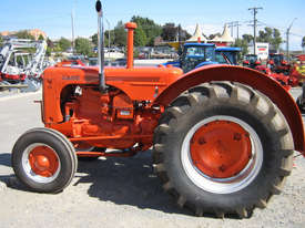 Case IH LA 2WD Tractor - picture9' - Click to enlarge
