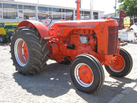 Case IH LA 2WD Tractor - picture0' - Click to enlarge
