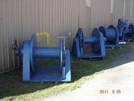 Hydraulic winches - picture0' - Click to enlarge