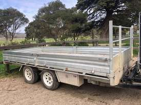 Trailer mounted Crane - picture2' - Click to enlarge