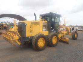 Komatsu GD555-3A Grader - picture1' - Click to enlarge