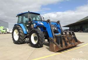 New Holland 2005   TL100A