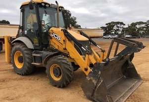 JCB 3CX BACKHOE WITH LOW 2640 HOURS