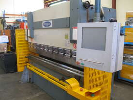 Steelmaster 2500mm x 40 Ton Hydraulic Pressbrake CNC - picture0' - Click to enlarge