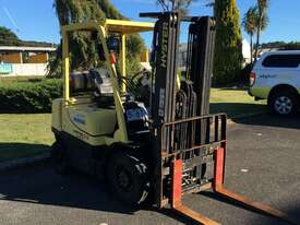 2.5t Counterbalance Forklifts - picture2' - Click to enlarge